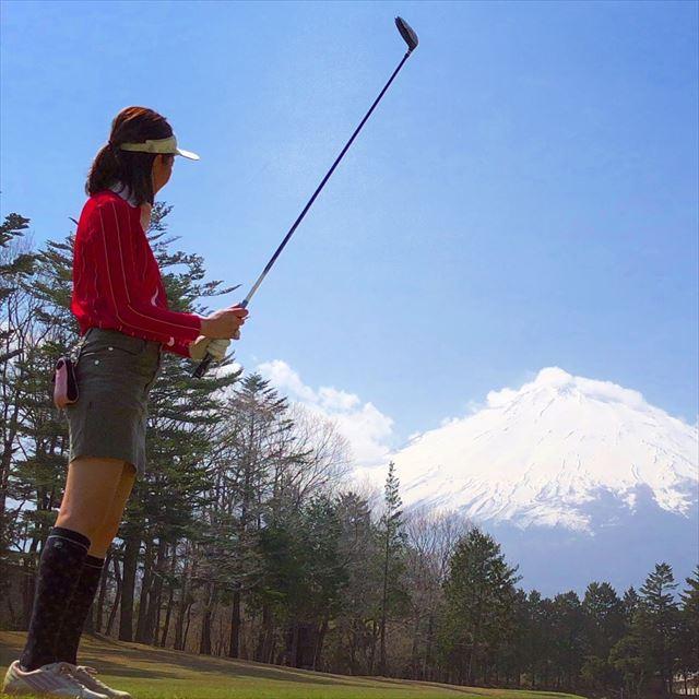御殿場ICより10 km「富士の杜ゴルフクラブ」で富士山を眺めながらの爽快プレー!